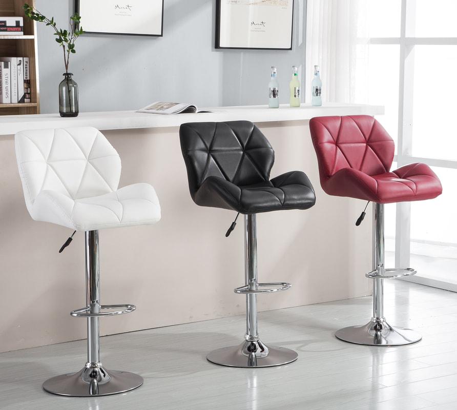 HHC2201 - 2 Set Barstools